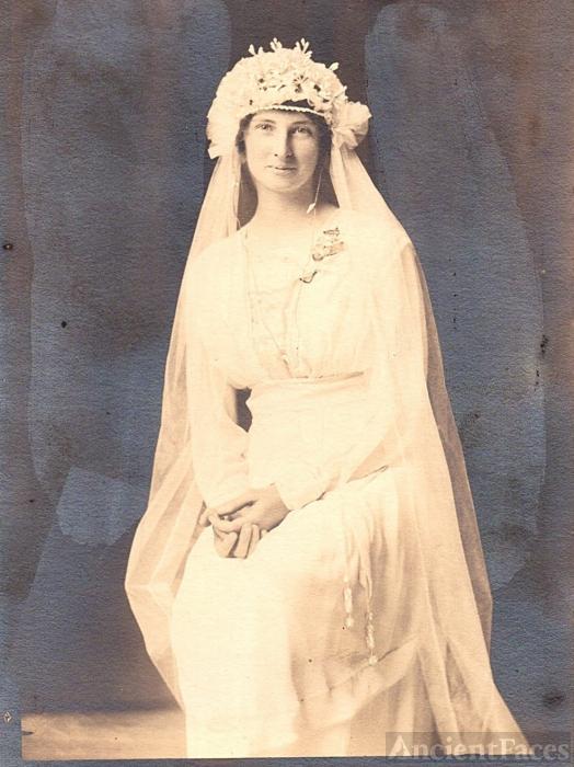 Hattie (Kirchoff) Dettmer, 1918