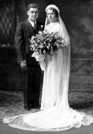 Roman and Mabel (Schmitz) Dehmer, Minnesota 1935