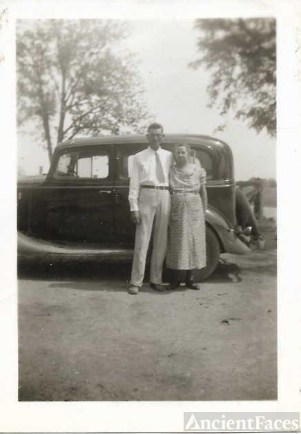 Minnie and Robert Maze Sr.