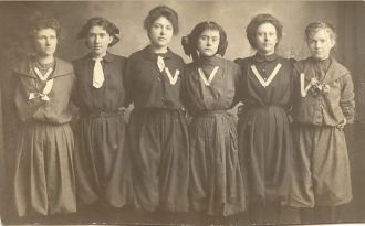 Vail  Iowa Women's Basketball Team, 1910