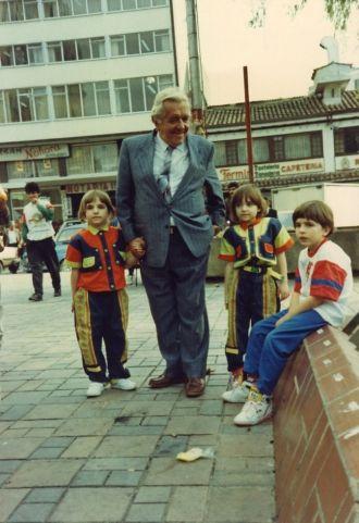 Ismael Camacho with his grandchildren- Colombia 1994