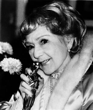 Mary Pickford with an Oscar.