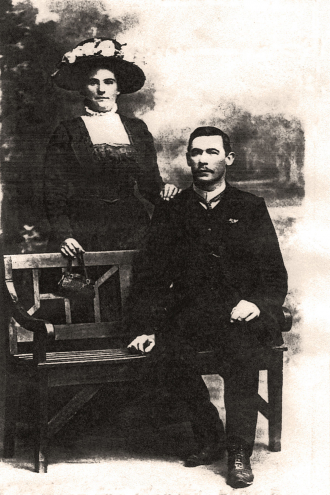 Newby Betrie Ward and wife Martha Castle in 1909