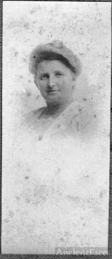 Flora Boutelle
