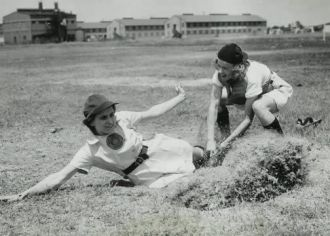 Women's Baseball League WW 2