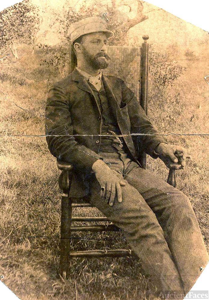 Casual photo of man - in U.S.?