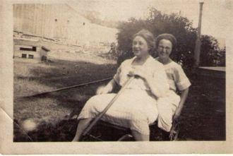 Daisy & Loretta Foy