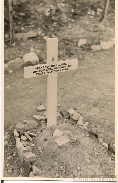 Leslie George Sims gravesite