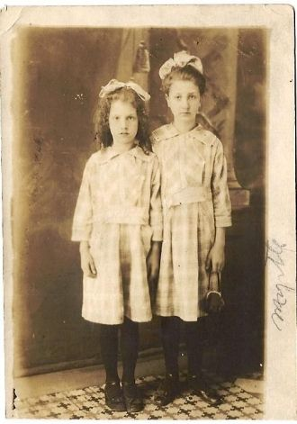 Myrtle and Grace Leffew
