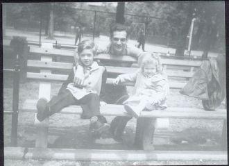Louis, Louis Jr, and Arlene Schreiner, New York 1946