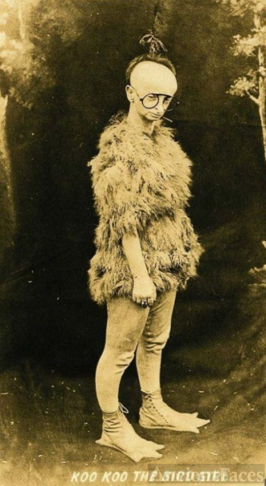 Minnie Woolsey, Koo Koo the Bird Girl