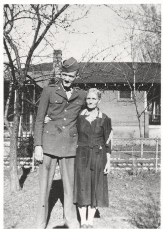Harold McNeil & Susan Lyon, Utah 1943
