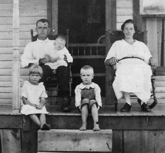 Gillilan Family, circa 1916