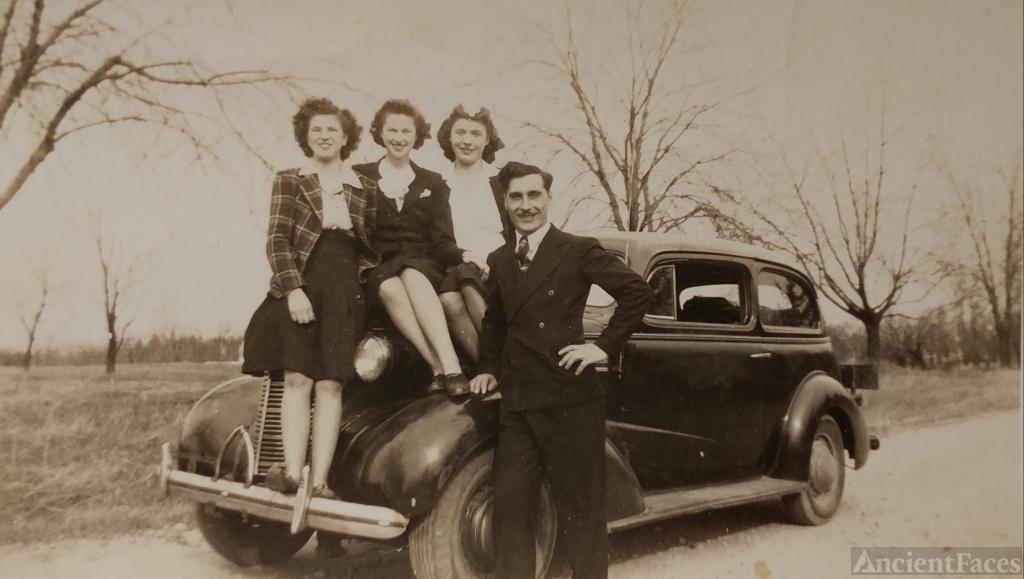 Olga, Ann, and Margaret Stawnychka