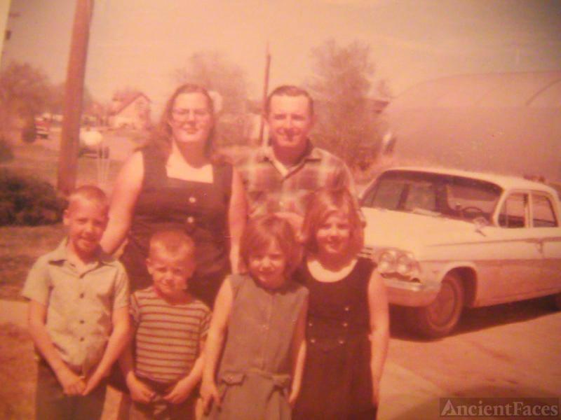 Daryla F (Luinstra ) Fisher & children