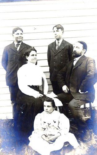 Dr. Frank Ellis Family c1906