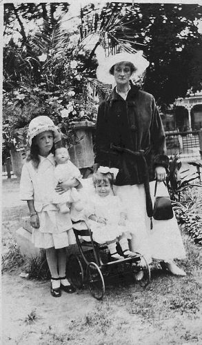 Unknown family date and locality