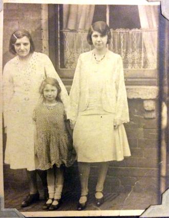 Lily (Hunt) Munton Family