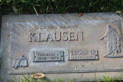 Leona Moore Klausen final resting place