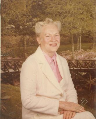 Elizabeth G Mccain