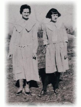 Molly Howard Adkins and Beadie Howard Fowler