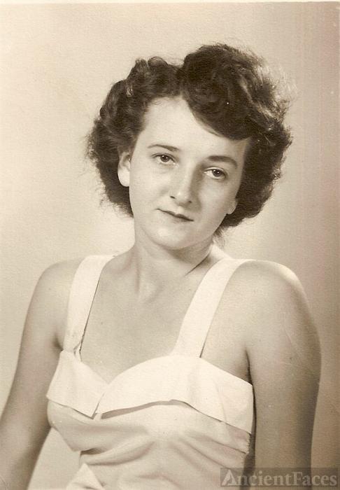 Inez (White) Holt