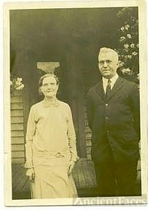 Daniel & Elizabeth Shelley Willetts