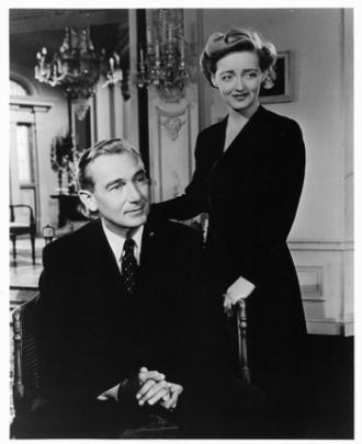 Paul Lukas and Bette Davis