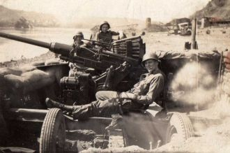 Kenneth Seibert in  WW II, Anti Aircraft Artillery