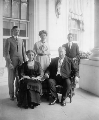 Taft family at the White House