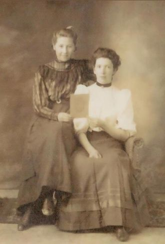Carrie and Helen Murray