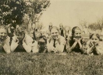 Mitchell Women, Colorado 1919