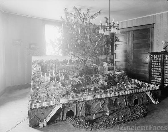 Mrs. Keen's Christmas tree
