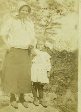 Minnie (Maddox) & Ruby Hager