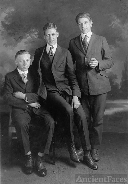 Earl  Smith & brothers