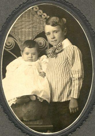 Paul Tate & Allen Tate 1906