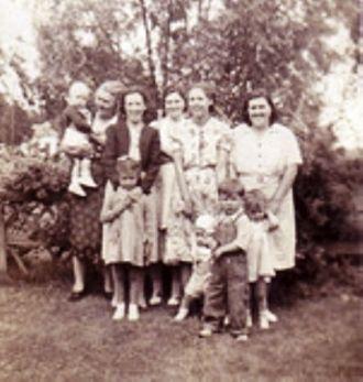 Cretta, Frances, Bessie, Violet, and Mary Motsinger