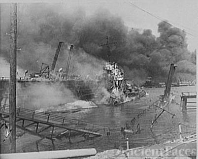 Pearl Harbor bombing, USS Shaw