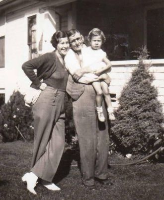 Doris, Beverly & Will Robertson, Seattle