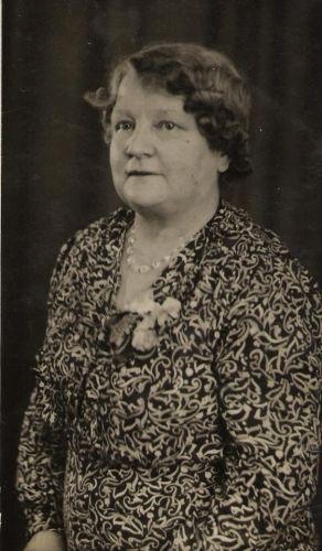 Annie Margaret (Buchanan) Henneman