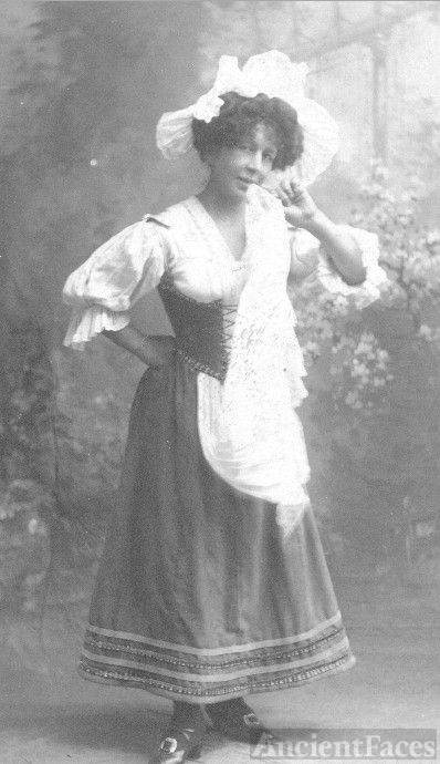 Maria (Barker) Mathews