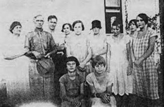 Cinith, Jim Burdett(e) & family