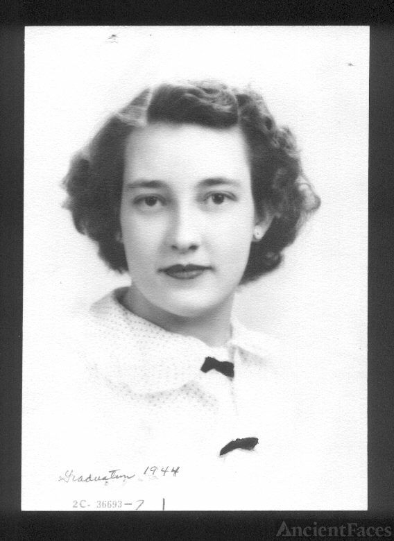 Wilma Maxine Henry, mother