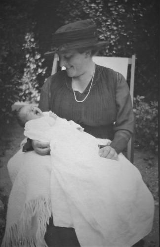 Doris Gertrude Peterson (Richards) Neill