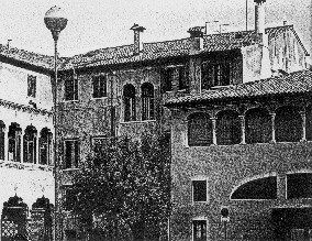 Houses in Rinaldi Square