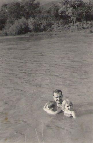 Ismael Camacho with his children-