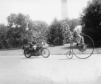 Velocipede and motorcycle