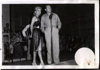 USO - Bob Hope & Frances Langford on Stage