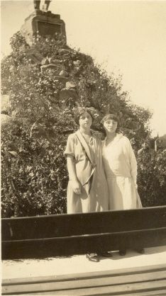 Ida Smith and Gladys Kniffin