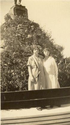 Ida Smith and Gladys Kniffin